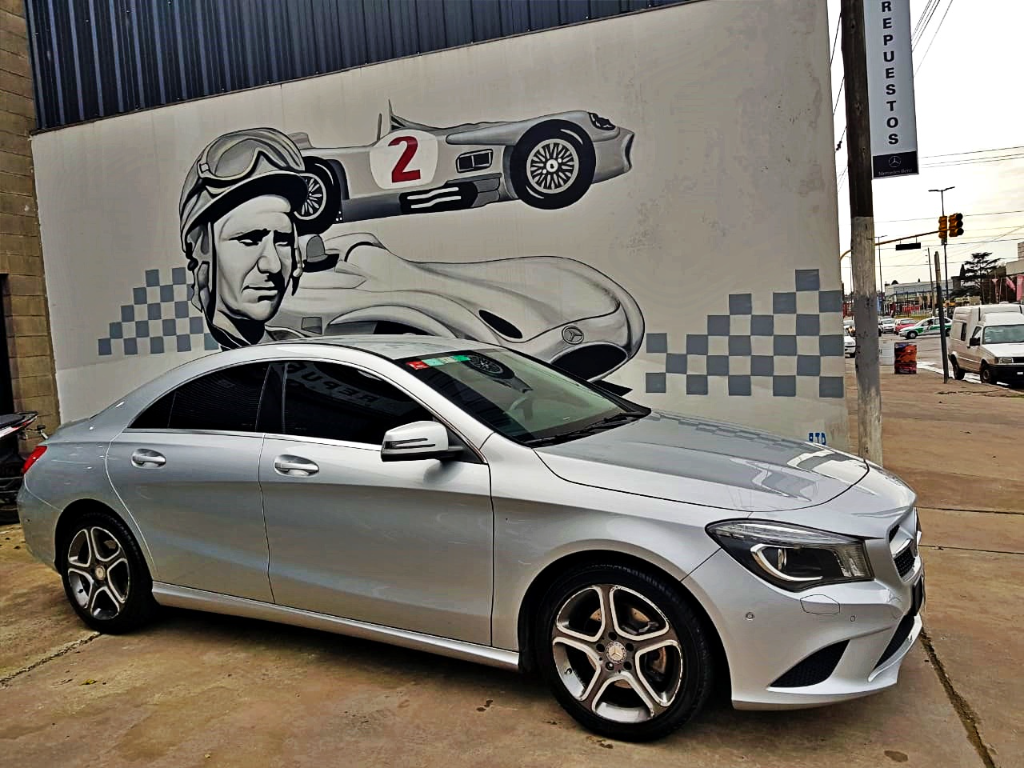 MERCEDES BENZ CLA 200 URBAN AUT 2013